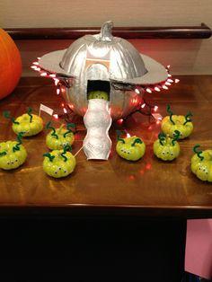 alien-ship-pumpkins