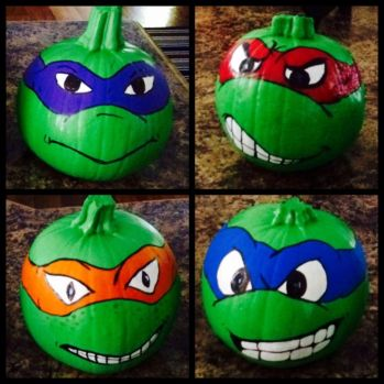 ninja-turtle-painted-pumpkins
