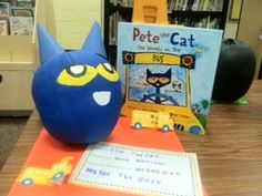 pete-the-cat-pumpkin