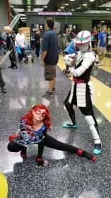 Spider Gwen Samurai with Spiderling